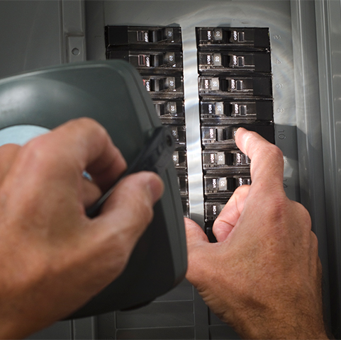 How to Replace a Fuse in a Fuse Box